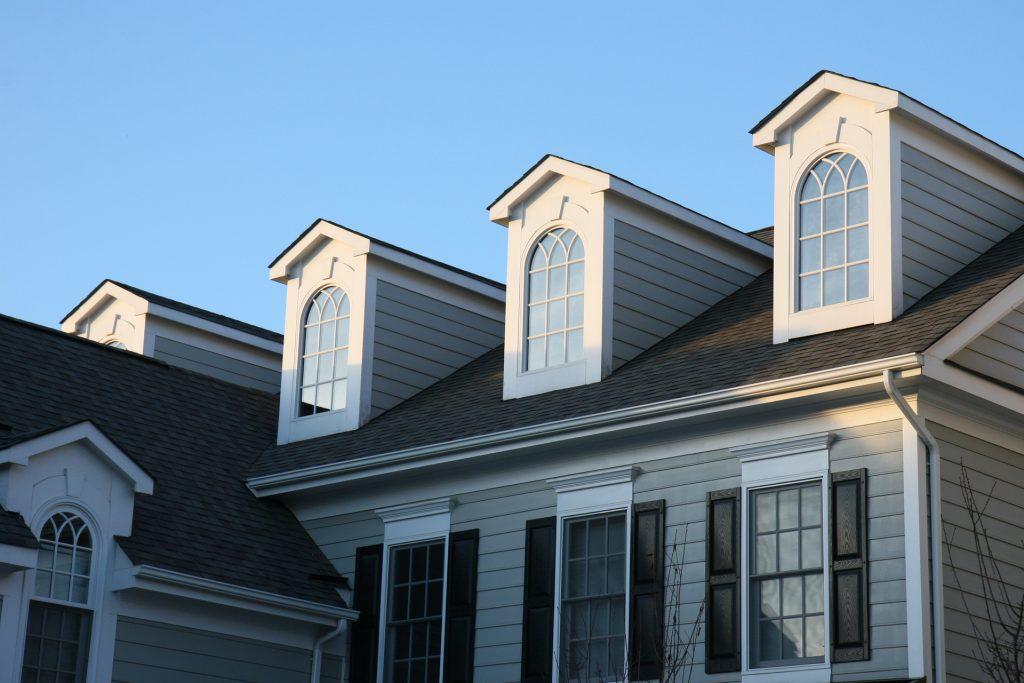Vackra stilrena fönster för ditt hem